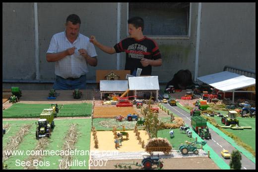 Construire une ferme en bois miniature